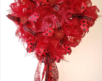 Valantines Wreath, beautiful red and black