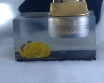 Evans clear lucite table lighter w yellow rose.