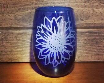 Sunflower Wine Glass | Flower Wine Glass | Unique Wine Glasses | Etched Wine Glasses | Large Wine Glass | Wine Gifts | Wine Glasses