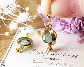 Spinning planet Aquamarine with 18k GP Gold Ball Earrings