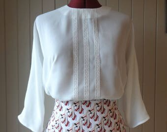 1960s blouse/ white blouse/ collarless blouse/ size M