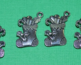 5 x Christmas Stocking Charms - Antique Silver Plated - 20 x 18mm - Christmas Charms