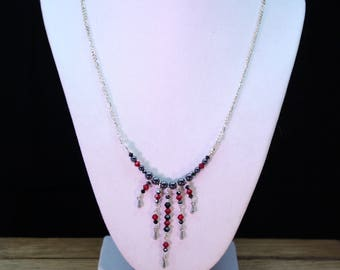 Necklace of crystal rods