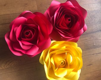 Small Rose Paper Flowers: For Backdrops, Decorations