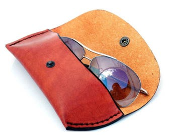 Leather case for storing glasses