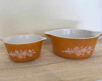 2 Vintage Pyrex Nesting Bowls