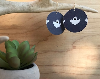 Ghost circle leather earrings