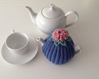 Crochet Tea Cosy, 1-2 cup teapot, retro, blue, Handmade, Tea pot cover, campervan, style