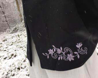 Cape poncho coat black embroidered woman