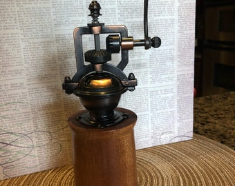 Old fashion pepper mill
