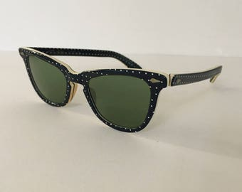 Give your eyes this cool Vacation - 1947 Vintage Designer Sunglasses by American Optical - Calobar Polaroid lenses
