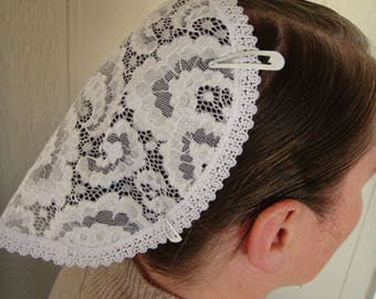 White Paisley Lace Round Covering
