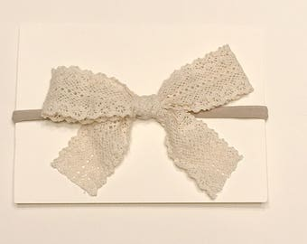 Lace Bow/ Dainty Lace Bow/ Baby lace bow
