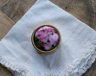 Golden decor decor in pink enamel pill box