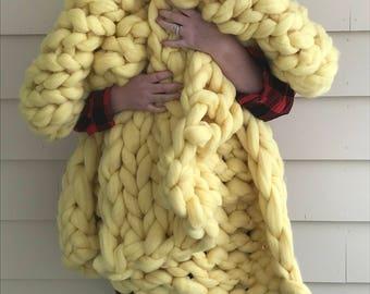 Lemon Merino Wool Chunky Knit Blanket