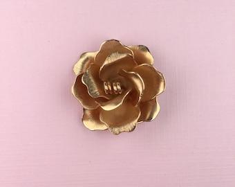 Giovanni Flower Pendant | Gold Tone | Floral Jewellery | Vintage