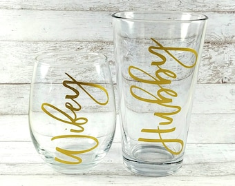 Wifey and Hubby Glasses//Matching Glass Set//Mr and Mrs Glasses//Stemless Wine Glass//Wedding Gift//Wedding Planning Glass//Beer Glass
