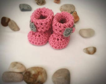 Baby booties, Crochet Baby Girls Booties, Pink and Gray Baby boots, Comfy boots, Gift Idea, Baby shower gift, Newborn Baby Gift, Baby Shoes