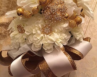 Nadiyah - Brooch Bouquet