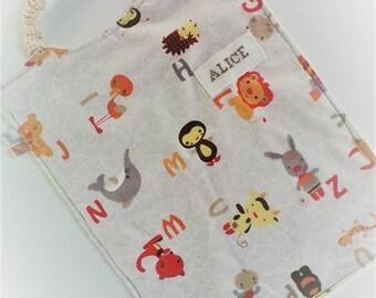 Serviette a élastique,personnalisable,serviette de cantine,garçon ou fille ,coton et éponge ,tissu enfant .