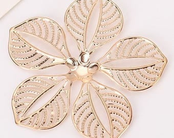 Gold Flower Pendants - Set of 3 - 40mm x 40mm - Jewelry Making