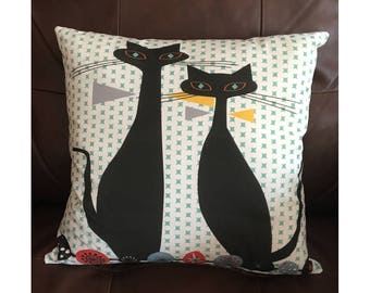 Mid Century Siamese Cats Green Throw Pillow