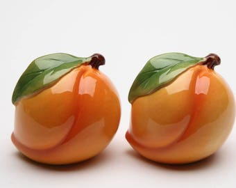Peach Salt and Pepper Shaker Set (20835)
