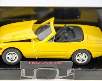 Shell Collezione Classico 1969 Ferrari 365 GTS4 1/43 Diecast