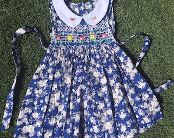 Sleeveless tiny floral print and hand embroidered Peter Pan collar vintage look. Handmade HAND SMOCKED DRESS beautiful floral prints.