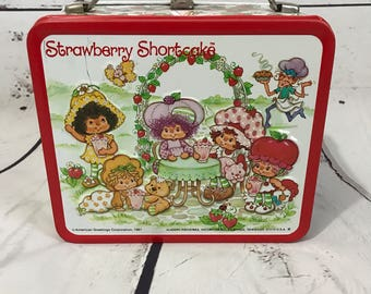 American Greetings Strawberry Shortcake 1981 Vintage Lunchbox Mint condition.