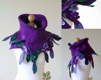 pointy collar/scarf in purples and greens
