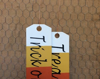 Wooden Tags with Trick or Treat and Give Thanks Wording