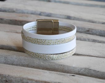 SALE Bohemian chic leather cuff white and gold (BR29)