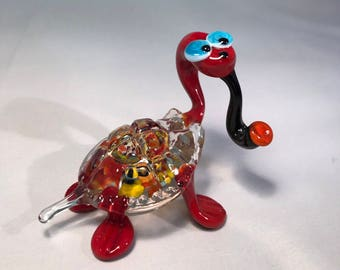 Glass turtle with tobacco pipe