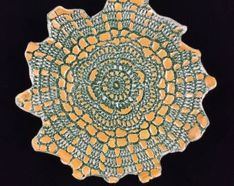 Green and gold lace dish