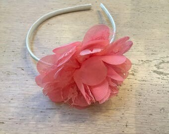 Hair band with big old pink flower