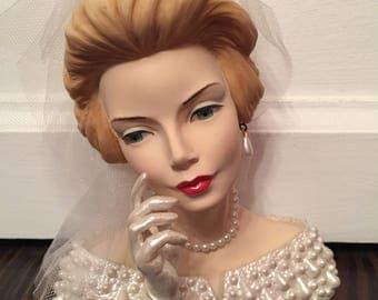 Cameo Girls Head Vase Blythe Royal Wedding