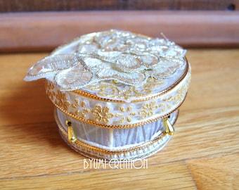 Mini gold jewelry box