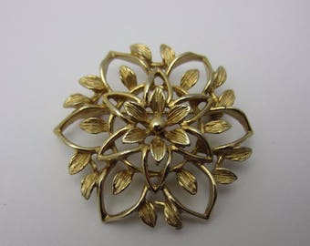 Vintage Costume Jewellery Brooch Pin Sarah Coventry Floral Open Design Textured Detailed Gold Tone Metal 1950s 1960s