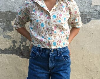 Vintage 70s Pink+Blue Floral 3/4 Sleeve Button Up Cropped Top Shirt