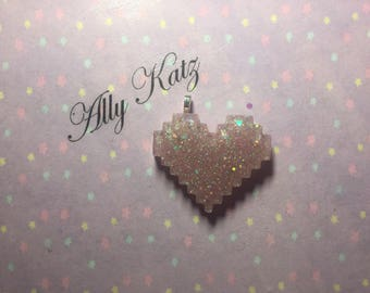 Love me lots soft pink 8bit heart