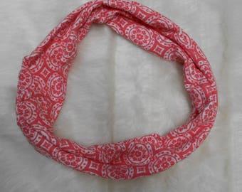 """Cowl loop scarf, salmon geometric design. 7 x 16"""""""