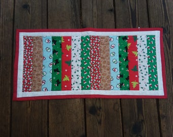 Quilted christmas table runner, Mini Christmas table runner, christmas table topper, holiday table decor