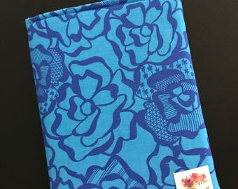 Blue Flora Book Sleeve