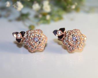 Ensemble (earrings, ring )