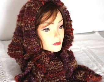 neck warmer with hood in bouclè wool - scaldacollo con cappuccio in lana bouclè