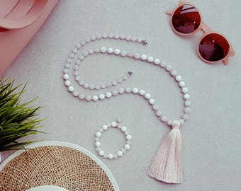 The mother of pear and rose quartz necklace - true love.