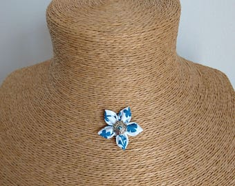 Blue floral fabric Flower necklace / white