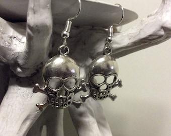 Silver skull dangle earrings - Halloween - horror - handmade - french hook - pinup - rockabilly - creepy cute - bones - skeleton - classic