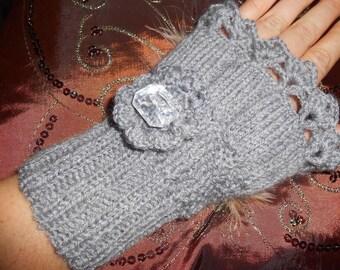 Wool grey mittens for women